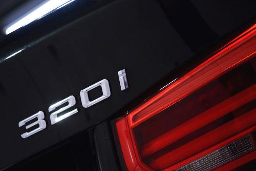 b32i10.jpg