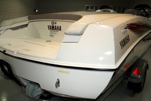 yamaha-ls7.jpg